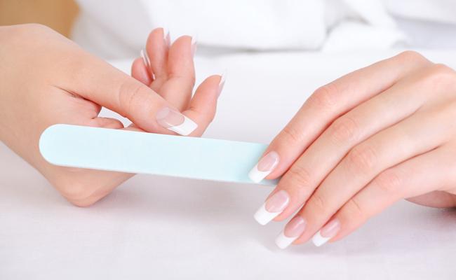 Cada tipo de mão fica mais harmonioso com um certo formato de unha. E